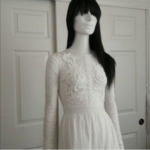 Stunning white lace maxi dress
